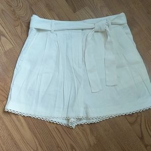 🆕 Ann Taylor Linen Pleated Shorts w/ Tie Sash